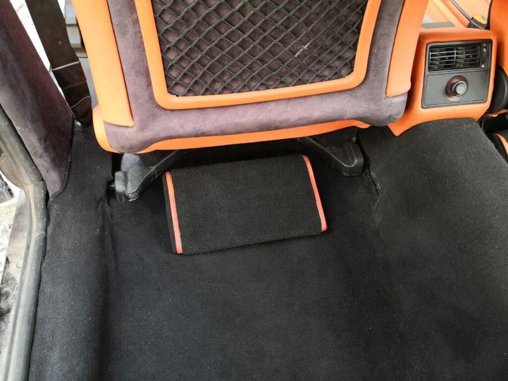 Новые коврики в салон авто при перетяжке