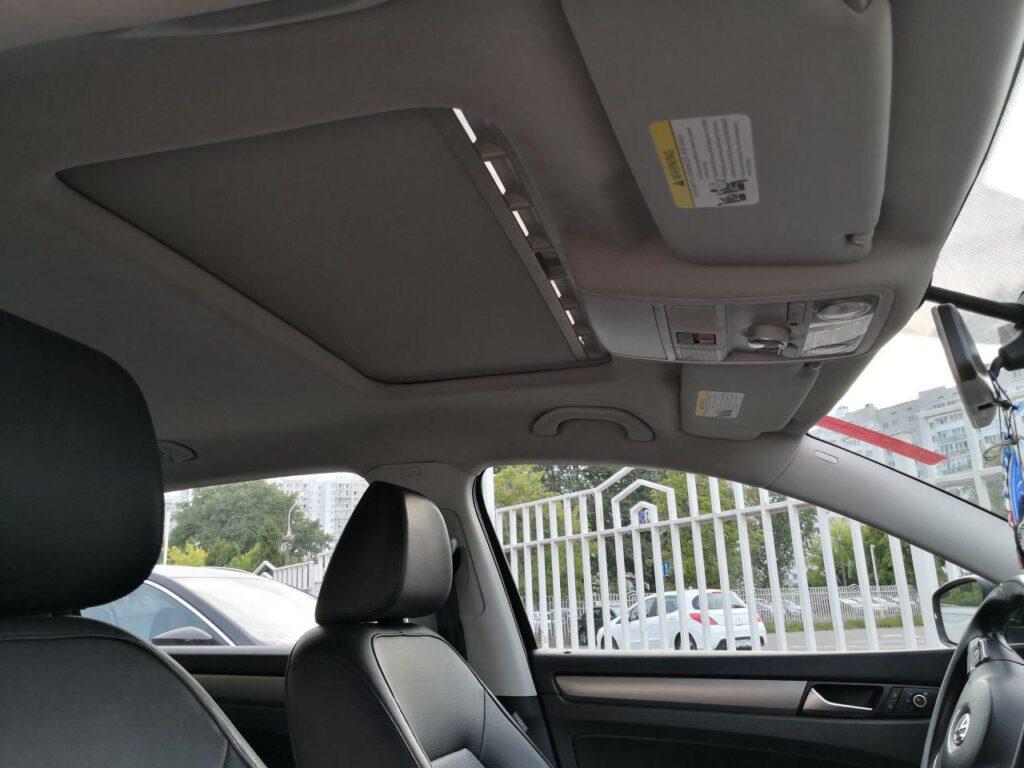 перетяжка потолока авто