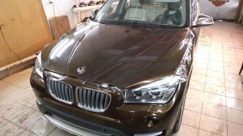 Оклейка антигравийной пленкой BMW X1